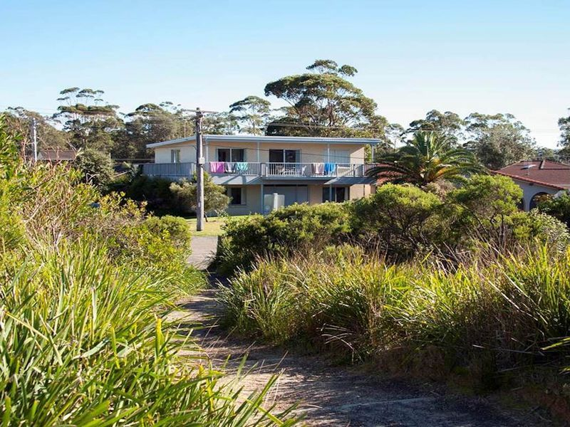 Narrawallee Beach House - 39 Matron Porter Drive