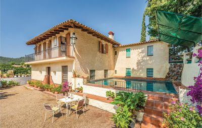 Photo for 4 bedroom accommodation in L'Aleixar