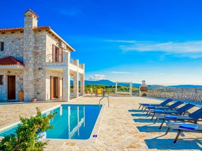 Photo for Stunning private villa for 8 people with private pool, A/C, WIFI, TV, balcony and parking