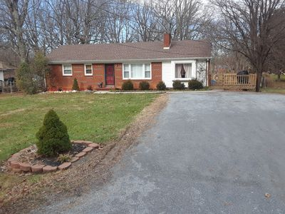 Photo for Beautiful ranch home on a quiet street with a great location