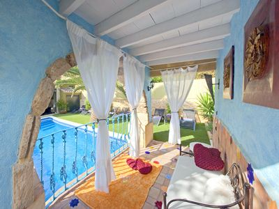 Photo for Unique accommodation of high standard with private pool, 10 TV, BBQ, Wifi, Airco