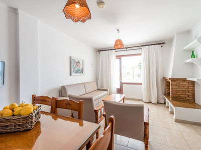 Photo for 2 Bedroom Apartment with sea views for 4 persons