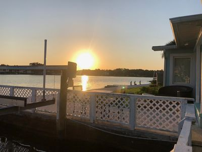 Sunrise, Sunset, Fish, Sleep, Repeat!  Sleeps 10 people! Jetdock and boat lift!