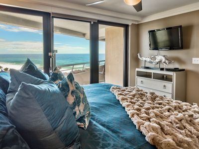 The Salty Emerald~ Edgewater 810 ~ *Summer Specials!* Beautiful Gulf Views!