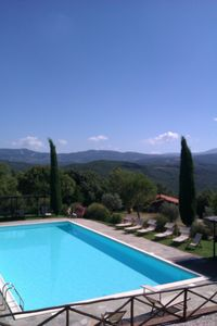 Photo for Romantic Chalet in Tuscany, 2 persons, in a farmhouse with swimming pool