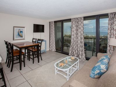 Beach front condo in heart of Gulf Shores!! Affordable, clean, recently updated!