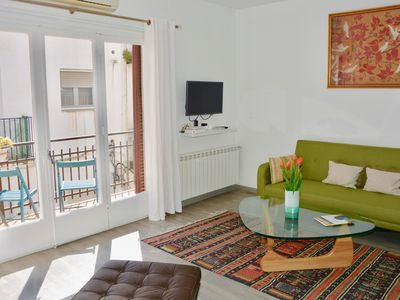 Photo for BELLE beautiful 3 bedroom apartment in the heart o