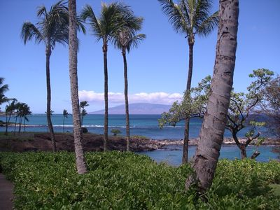 Breathtaking Kapalua Bay is a short walk from our Villa!!