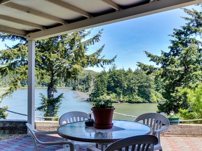 Photo for Riverfront home with beautiful river views, patio & fireplace!