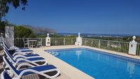 Outstanding tranquil Villa with superb views