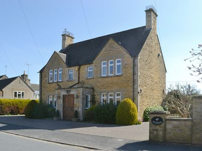 Photo for 3 bedroom accommodation in Bourton-on-the-Water, near Cheltenham