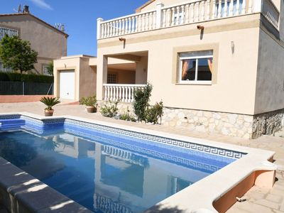 Photo for Stunning private villa for 8 people with WIFI, private pool, TV, balcony and parking