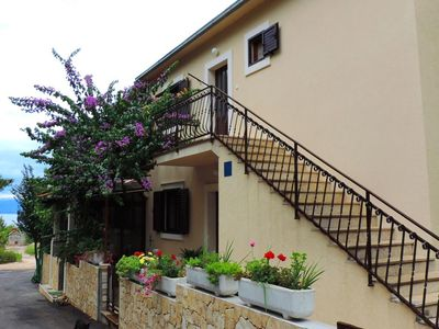 Photo for Apartment in Mirca (Brač), capacity 4+1