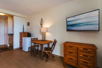 Dinning Table For 2 With Flat Screen TV