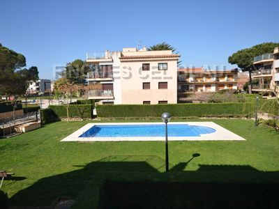 Photo for Ref. 2786 / HUTG- 027126. APARTMENT WITH POOL, PLEASANT AND QUIET.   Wide apar