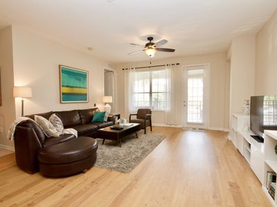 Photo for Vista Cay Spacious Condo 5 mins to Universal, I Drive, shopping, all Parks