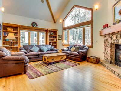 Photo for Immaculate and palatial dog-friendly estate in Eagle Vail - close to skiing