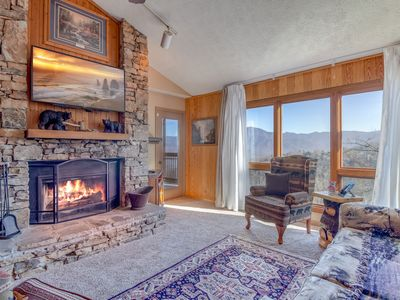 AMAZING Views * WOW_TV'S * LARGE CONDO * 3 KING Suites + 3 Baths + Queen Sleeper