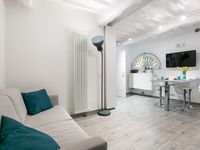 Quaint apartment located near the piazza del Campo. Wonderful host who responded quickly