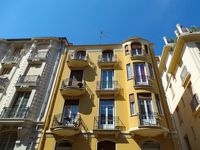 An interesting apartment with good access to the seafront and the sights of Nice . All within walkin