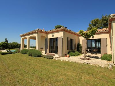 Photo for Beaumont, beautiful villa with private swimming pool and jacuzzi