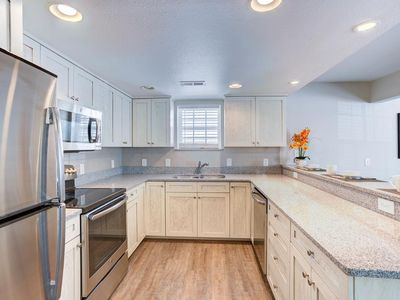 Photo for Beachwoods Resort 3BR/2.5BA. Families LOVE This resort. Largest Pool in OB