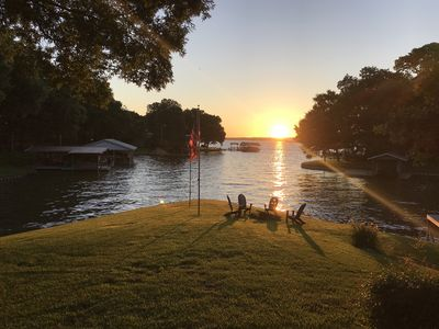Photo for Cozy Lakefront Cottage with Gorgeous Sunrise View