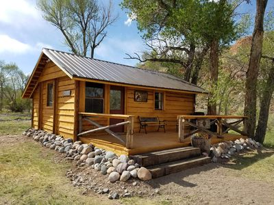 Secluded studio-style cabin tucked in cottonwoods along the Wind River