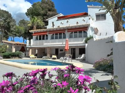 Photo for Near to the village and beach, private pool, sea-view, internet, air condition