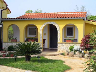 Photo for Vacation home Haus Elis (MDN155) in Medulin - 4 persons, 1 bedrooms