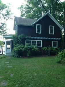 Lakefront cottage ready for you to enjoy!