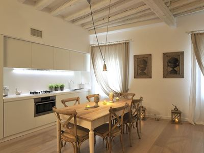 Photo for Ground floor apartment with washing machine and canal view - Arsenale
