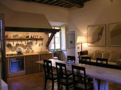 Welcome to Il Cortile, a spacious and comfortable home in the town centre