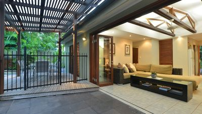Photo for Cassowary Villa 2 - 3 Bedrooms Close to the Beach