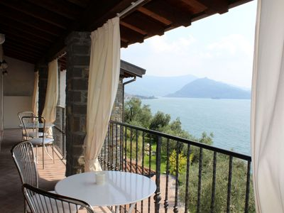 Photo for Large apartment with 2 bedrooms, 2 bathrooms and a balcony overlooking the lake