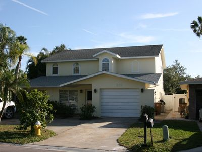 Photo for Great Value. Only 900 ' to Beach. June Special Rates! Pets OK. 4-min. walk 2 IRB