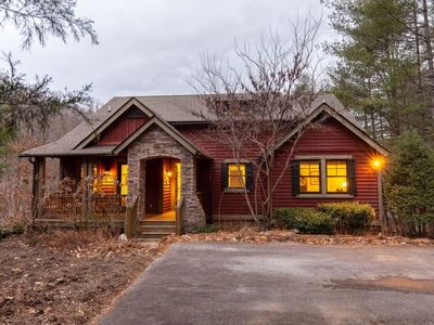 Photo for Cozy, PET Friendly Mountain Cottage in Upscale Resort - Access to Lake Club & Golf Course!