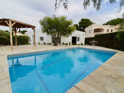 Photo for Detached single storey house with garden and private pool Wifi