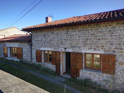 Photo for Gite Essertines-en-Châtelneuf, 2 bedrooms, 6 persons