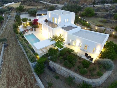 Photo for Luxury villa with pool in the middle of an olive grove and dream view of the sea!