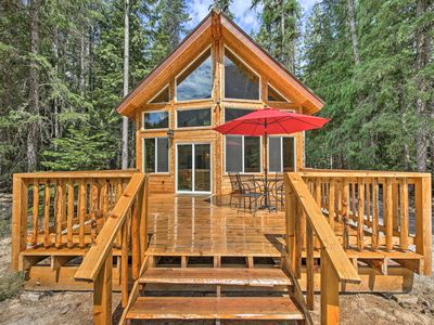 Photo for Troy Log Cabin w/ Stunning Mountain Views!