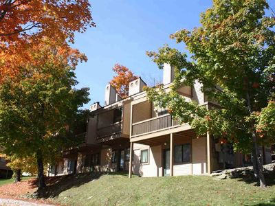 HALF SEASON RENTAL AVAILABLE: Renovated Sachem Trail Condo with Private Hot Tub