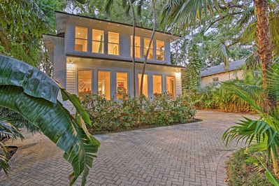 Sleek Updated Coconut Grove Home W Pool Jacuzzi Southwest Coconut Grove