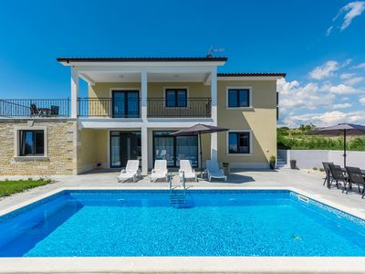 Photo for Spacious villa and property with private pool, sun terrace, trampoline for 14 guests near the UNESCO village Porec