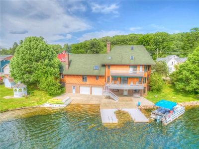 Immaculate & Spacious Lakefront Home