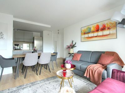 Photo for Apartment 6pax Disneyland near RER Val d'Europe Chessy