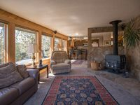 Contemporary vacation suite in Bend, OR