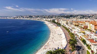 Photo for Golden Square, Promenade des Anglais, beaches and Place Massena 2 minutes.