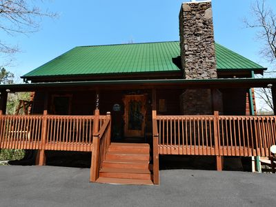 Photo for NEW Honeysuckle Lodge 4mi to Dollywood! Hot Tub/Gameroom/Grill. Fantastic 4 Fams