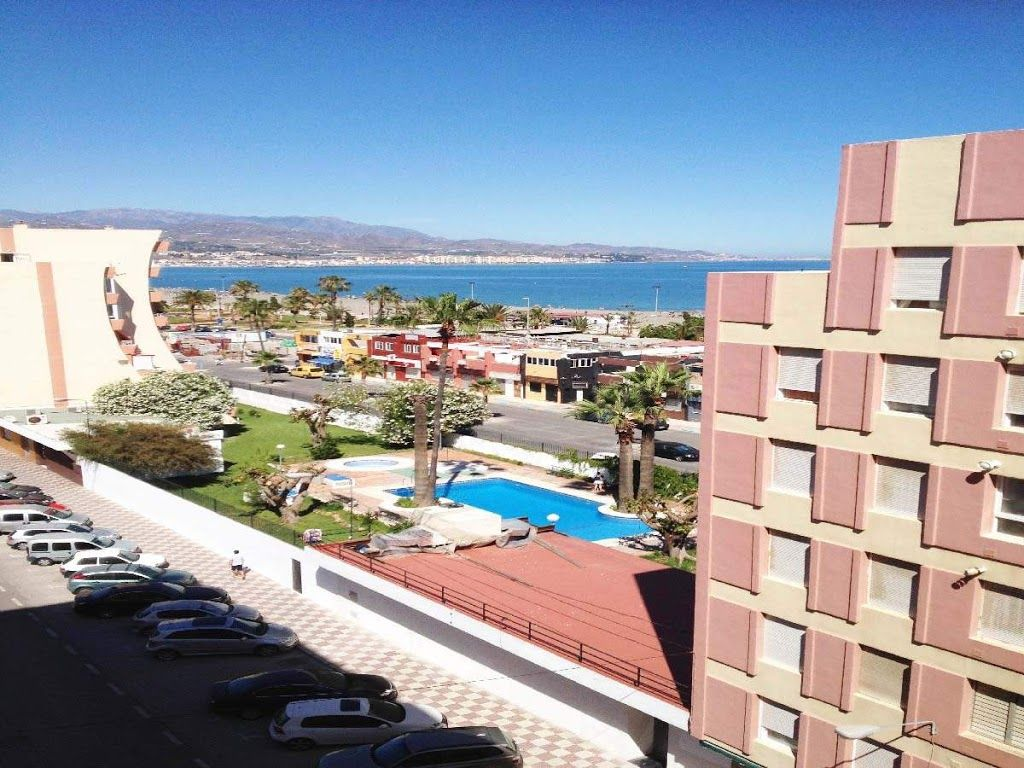 Apartment in the center of torre del mar wi homeaway for Oficina turismo torre del mar